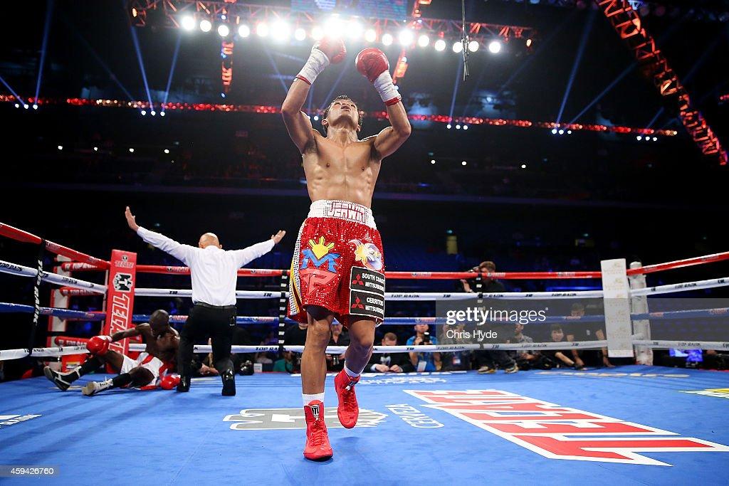 Clash In Cotai II - Manny Pacquiao v Chris Algieri : News Photo