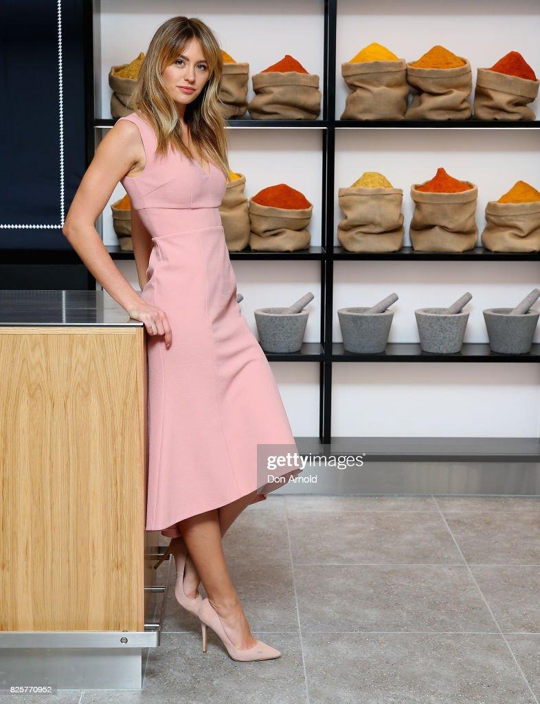 Moderno Vestido De Novia David Bandera - Colección de Vestidos de ...