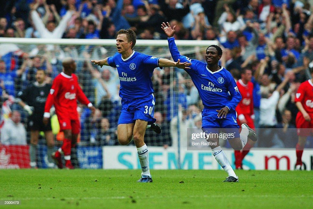 Jesper Gronkjaer of Chelsea celebrates scoring the winning goal : News Photo