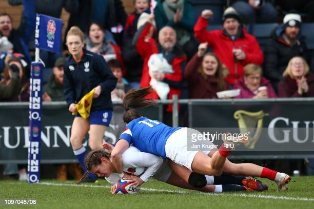 Jess Breach of England touches down for the first try during the Women's Six Nations match between England and France at Castle Park Donnybrook on...