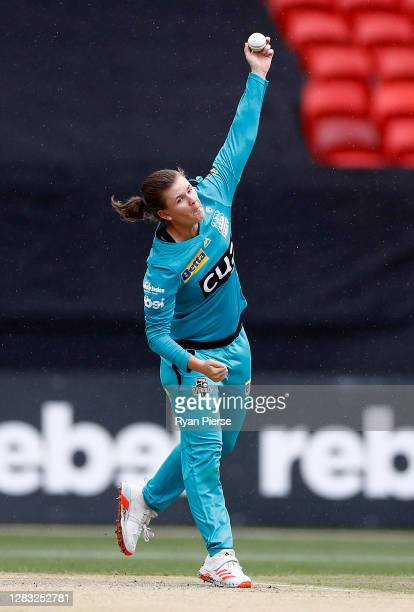 Jess Jonassen of the Heat bowls during the Women's Big Bash League WBBL match between the Sydney Thunder and the Brisbane Heat at GIANTS Stadium, on...