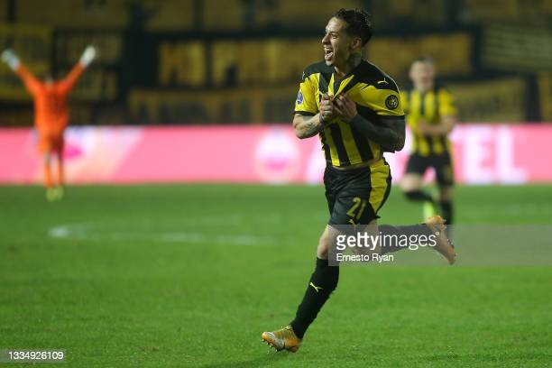 Jesús Trindade of Peñarol celebrates after scoring the first goal of his team during a quarter final second leg match between Peñarol and Sporting...