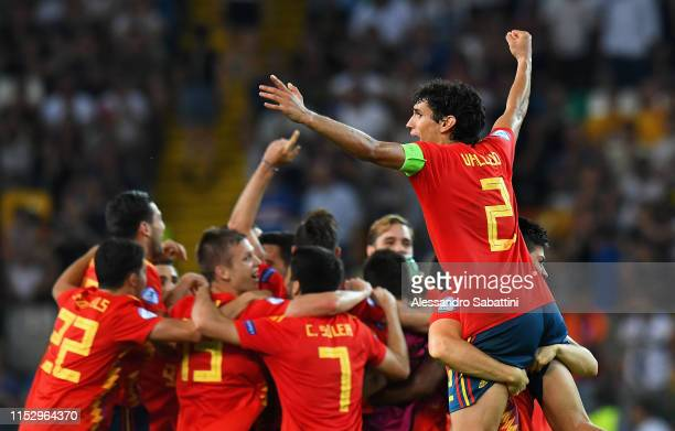 Jesús Vallejo of Spain celebrates the victory with team mates after the 2019 UEFA U-21 Final between Spain and Germany at Stadio Friuli on June 30,...
