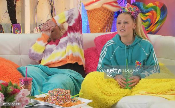 "Jessalynn and JoJo Siwa in in the The Deadliest Couch"" episode of CELEBRITY WATCH PARTY airing Thursday, May 21 on FOX."
