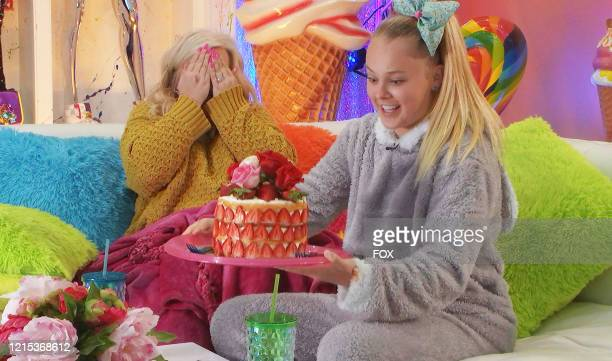 "Jessalynn and JoJo Siwa in the Nobody Puts Celebrity in the Corner"" episode of CELEBRITY WATCH PARTY airing Thursday, May 14 on FOX."