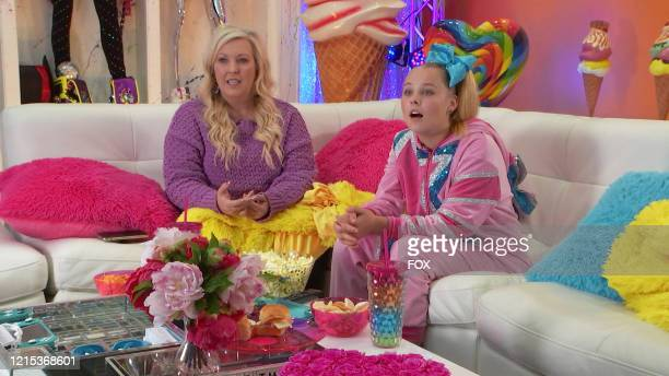 "Jessalynn and JoJo Siwa in the The Watch Party Has Begun"" series premiere episode of CELEBRITY WATCH PARTY airing Thursday, May 7 on FOX."