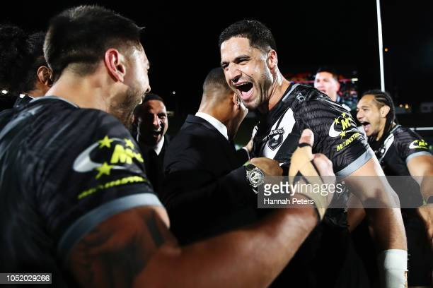 Jesse Bromwich of the Kiwis celebrates with Shaun Johnson of the Kiwis after winning the international Rugby League Test Match between the New...