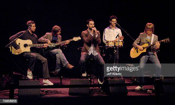 Jesse Carmichael Mickey Madden Adam Levine Ryan Dusick and James Valentine of Maroon 5
