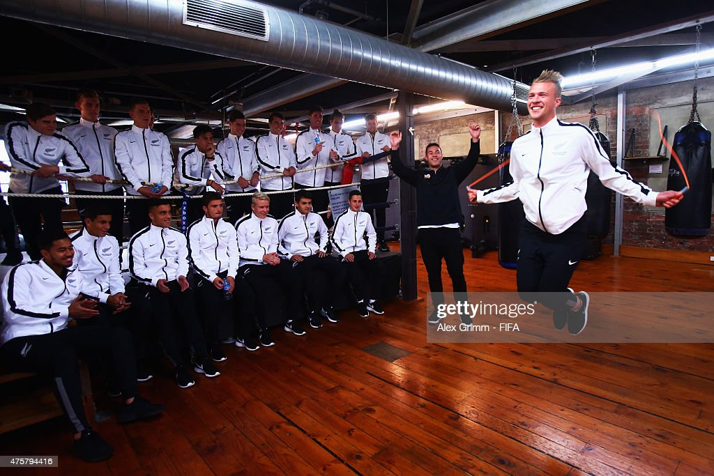 Jesse Edge does some rope skipping as the New Zealand U-20 team meets heavyweight boxer Joseph Parker at Les Mills Gym on June 4, 2015 in Wellington, New Zealand.