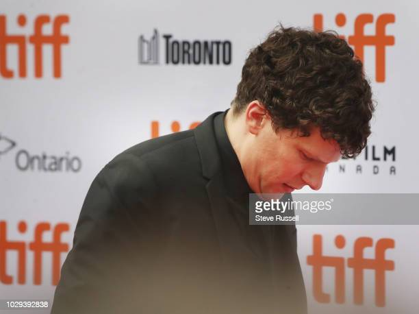 TORONTO ON SEPTEMBER 8 Jesse Eisenberg on the red carpet of the world premiere of the movie The Hummingbird Project at the Toronto International Film...