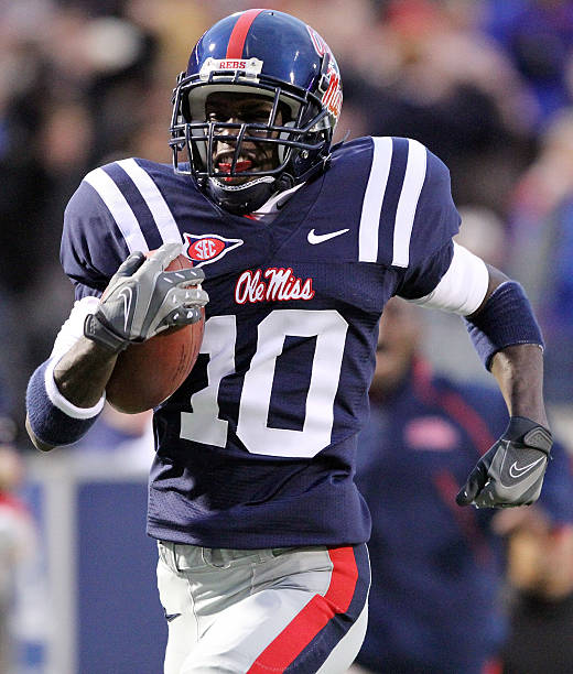 Jesse Grandy 10 Of The Ole Miss Rebels Runs Opening Kickoff Back For A