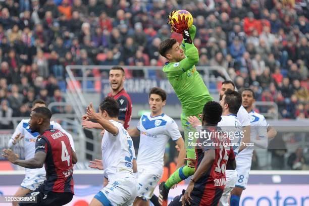 Jesse Joronen goalkeeper of Brescia Calcio in action during the Serie A match between Bologna FC and Brescia Calcio at Stadio Renato Dall'Ara on...