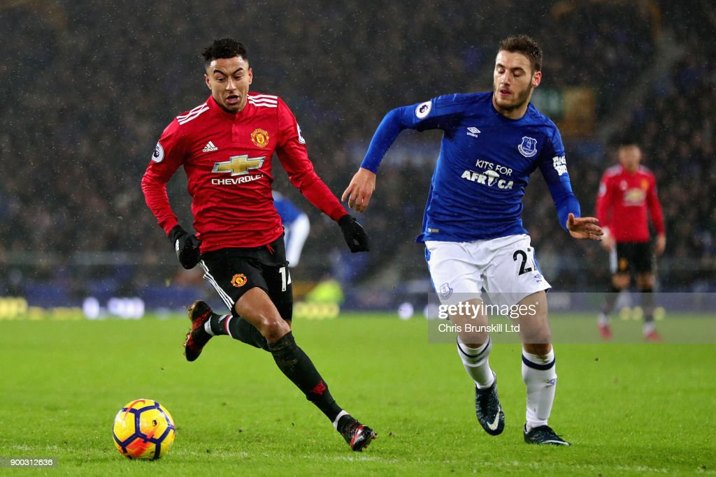 Everton v Manchester United - Premier League : News Photo