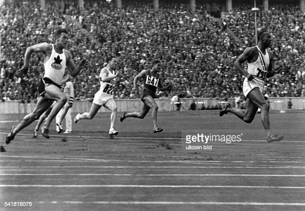 Jesse Owens *USAmerican track and field athletewon 4 gold medals at the Summer Olympics in Berlin in 1936Olympic Summer Games in Berlin in 1936 200m...