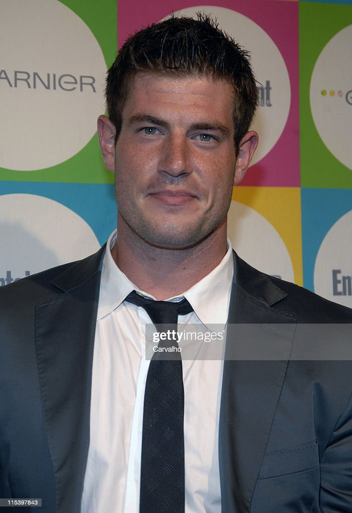 """Entertainment Weekly's """"Must List"""" Party - Outside Arrivals : News Photo"""
