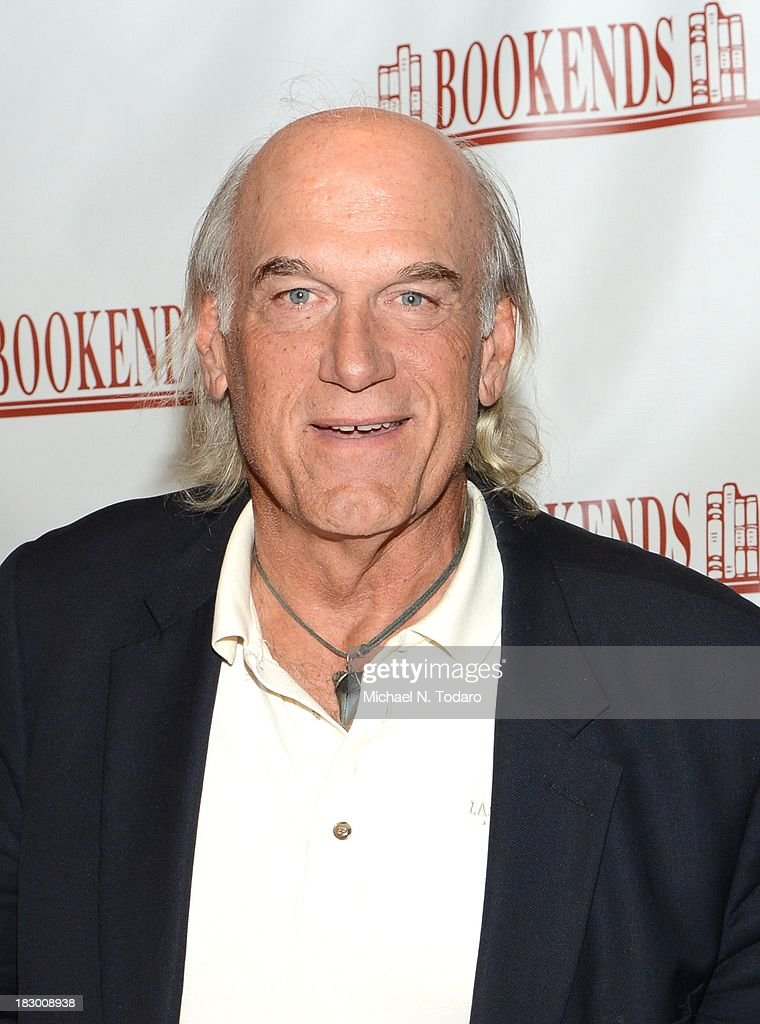 """Jesse Ventura Signs Copies Of His Book """"They Killed Our President"""" : News Photo"""