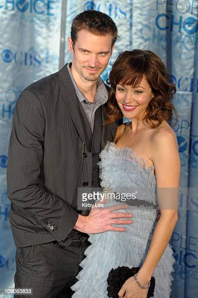 Jesse Warren and Autumn Reeser arrive at the 2011 People's Choice Awards at the Nokia Theatre LA Live on January 5 2011 in Los Angeles California