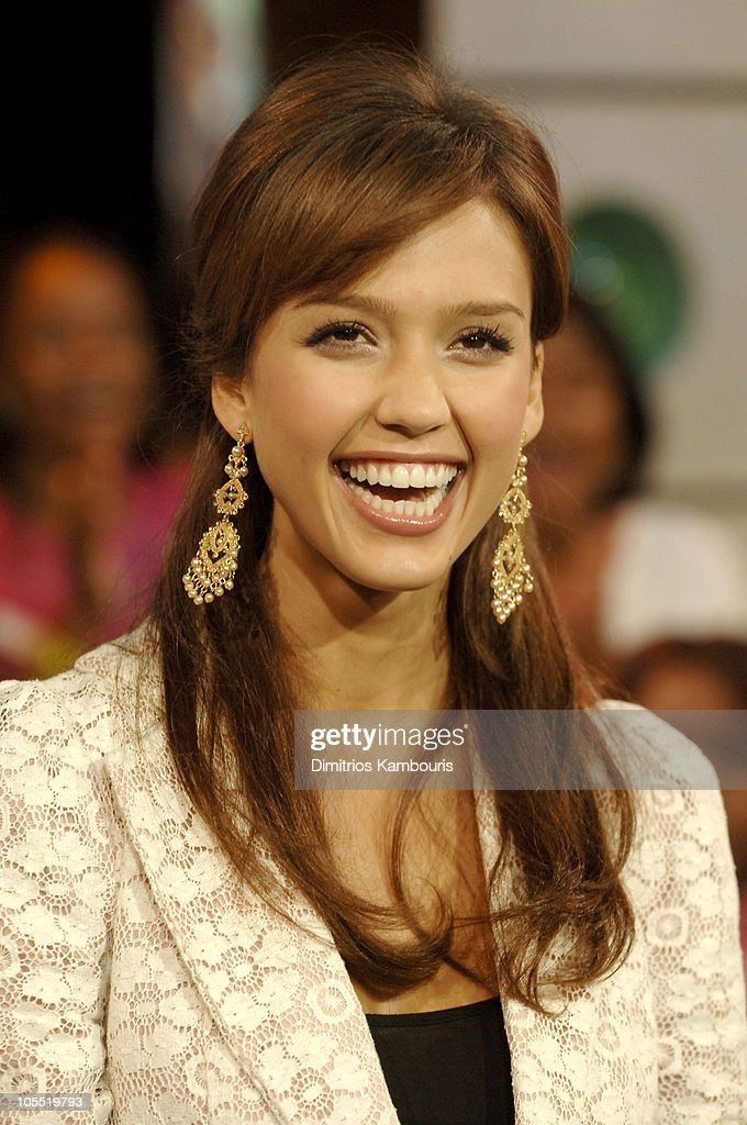 "Jessica Alba and Common Visit MTV's ""TRL"" - September 28, 2005"