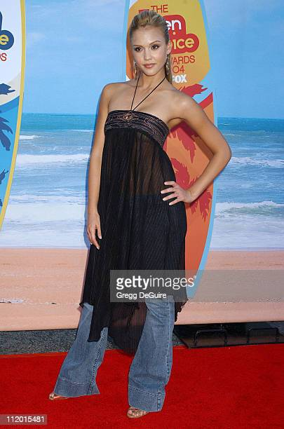 Jessica Alba during The 2004 Teen Choice Awards - Arrivals at Universal Ampitheatre in Universal City, California, United States.