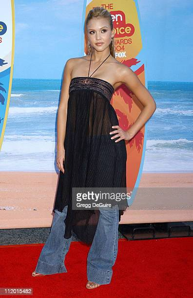 Jessica Alba during The 2004 Teen Choice Awards Arrivals at Universal Ampitheatre in Universal City California United States