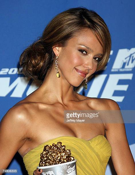 Jessica Alba host and winner of Sexiest Performance for Sin City at the Sony Pictures in Culver City California