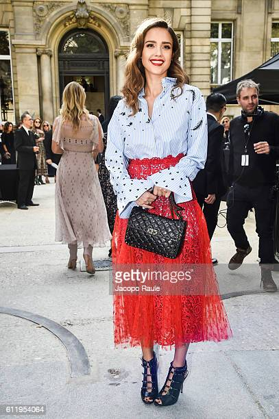 Jessica Alba is seen arriving at Valentino Fashion show during Paris Fashion Week Spring/Summer 2017 on October 2 2016 in Paris France