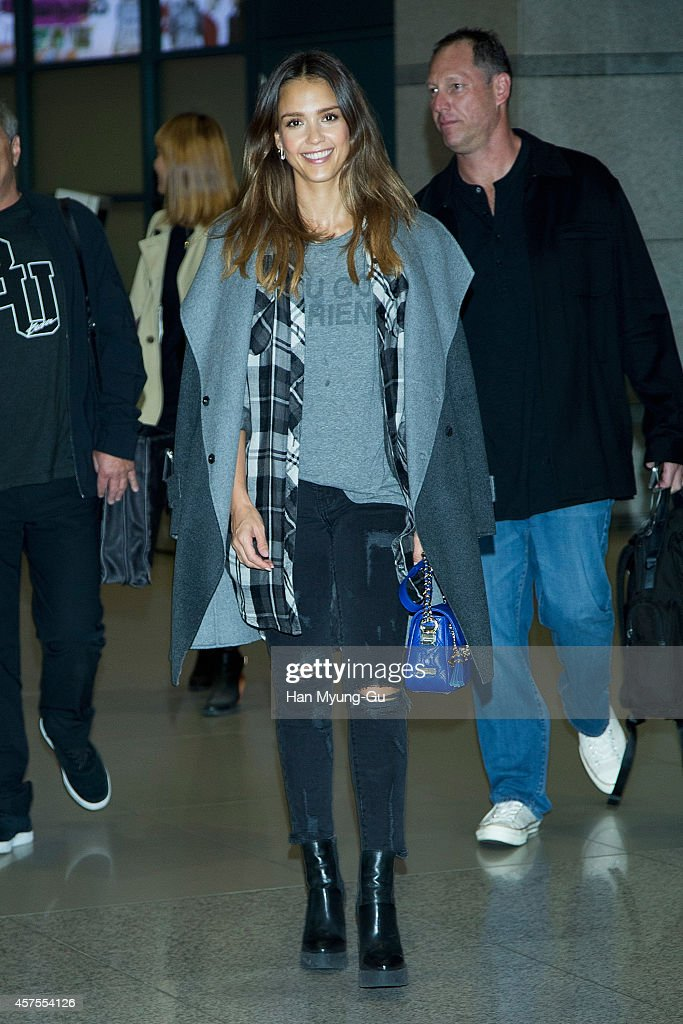 Jessica Alba Arrives In Incheon Airport : News Photo