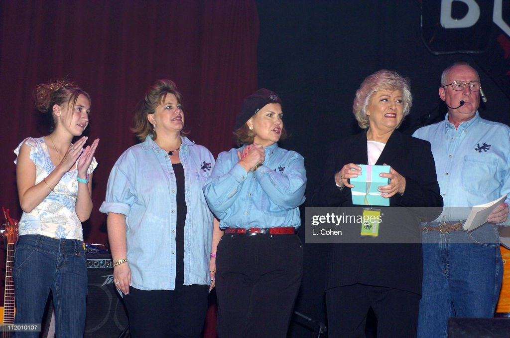 Jessica Benton, Sue Mount (Co-Chairman - Sizzlin Country), Sheri Mount (Co-Chairman - Sizzlin Country), Frances W. Preston (President and CEO of BMI) and Dave Mount