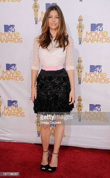 Jessica Biel attends the 2010 MTV Movie Awards at the Gibson Amphitheatre on June 6, 2010 in Universal City, California.