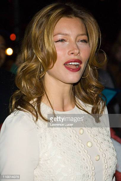 Jessica Biel during Jessica Biel and Kelly Ripa Sighting Outside The Late Show with David Letterman April 16 2007 at Ed Sullivan Theater in New York...