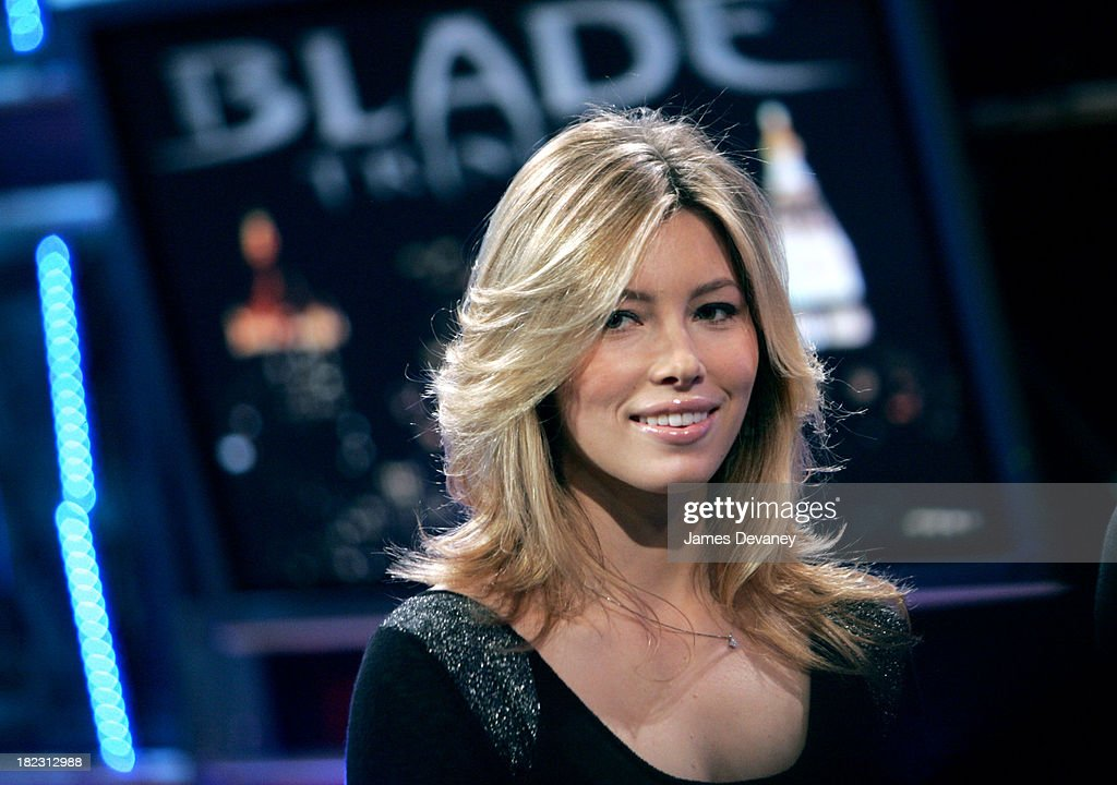 Jessica Biel Visits FUSE Network's Daily Download - December 3, 2004 : News Photo