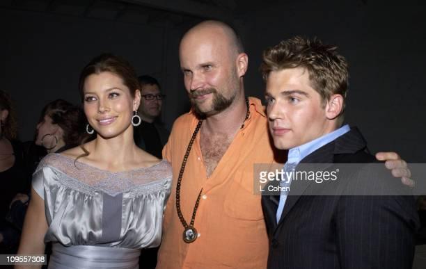 Jessica Biel Marcus Nispel Director and Mike Vogel