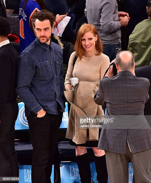 Jessica Chastain and Gian Luca Passi de Preposulo attend the Atlanta Hawks vs New York Knicks game at Madison Square Garden on January 3 2016 in New...