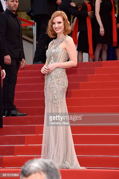 Jessica Chastain attends the 'Money Monster' premiere during the 69th annual Cannes Film Festival at the Palais des Festivals on May 12 2016 in...