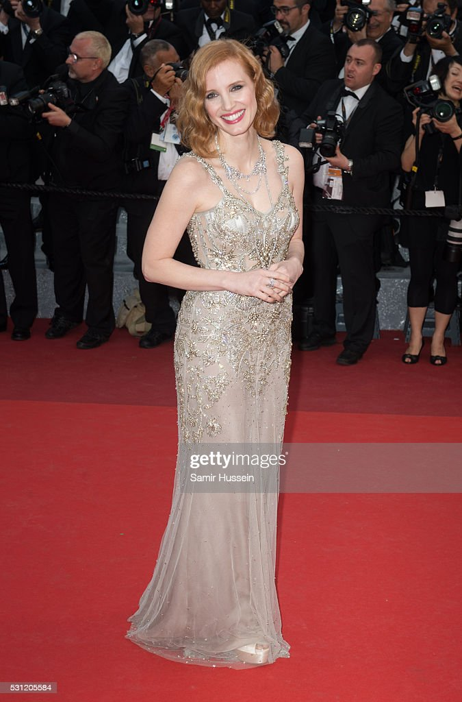 """""""Money Monster"""" - Red Carpet Arrivals - The 69th Annual Cannes Film Festival : News Photo"""