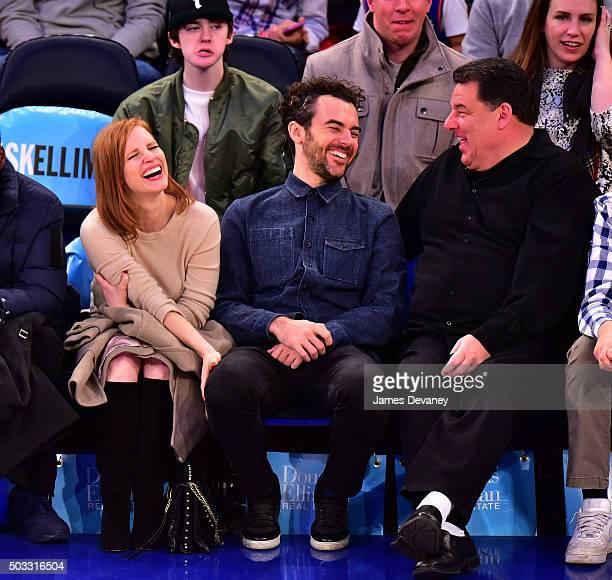 Jessica Chastain Gian Luca Passi de Preposulo and Steve Schirripa attend the Atlanta Hawks vs New York Knicks game at Madison Square Garden on...