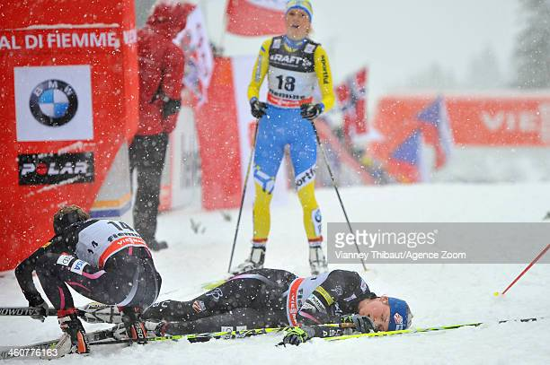 Jessica Diggins of the USA and Elizabeth Stephen of the USA compete during the FIS CrossCountry World Cup Tour de Ski Women's Final Climb on January...