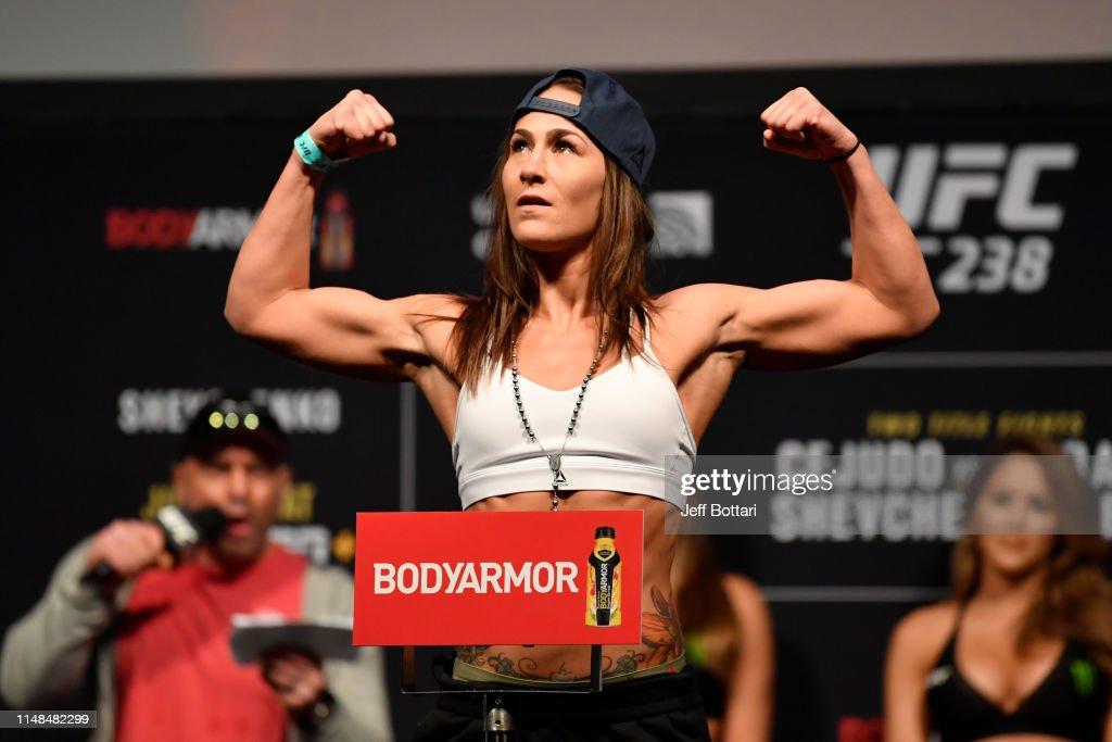 UFC 238: Weigh-Ins : Nieuwsfoto's