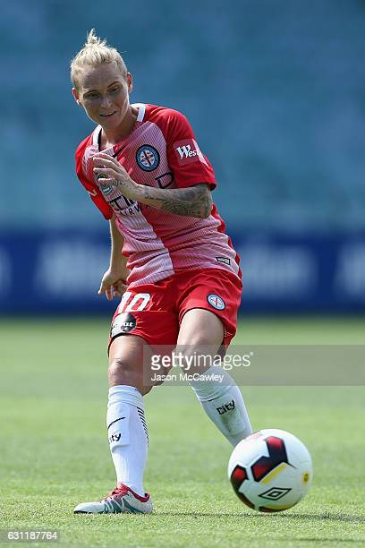Jessica Fishlock of Melbourne City passes the ball during the round 11 WLeague match between Sydney FC and Melbourne City FC at Allianz Stadium on...