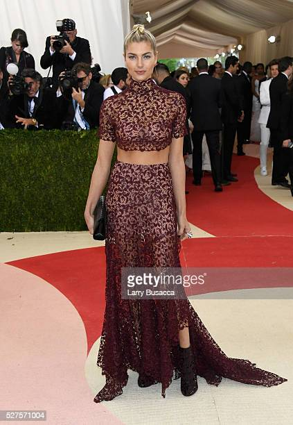 Jessica Hart attends the 'Manus x Machina Fashion In An Age Of Technology' Costume Institute Gala at Metropolitan Museum of Art on May 2 2016 in New...