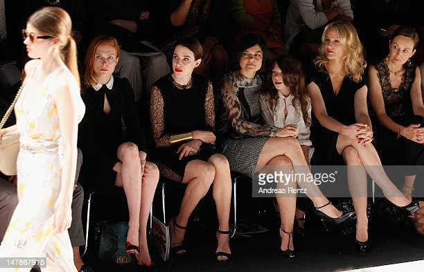 Jessica Joffe Julia Malik Jasmin Tabatabai with daughter Angelina and Judith Rakers attend the Rena Lange Show at MercedesBenz Fashion Week...