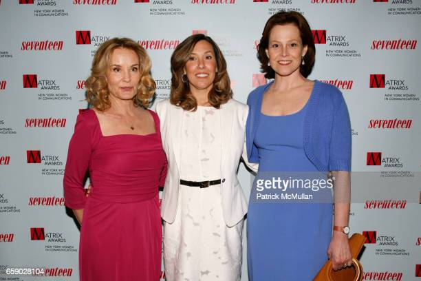 Jessica Lange Leslee Dart and Sigourney Weaver attend NEW YORK WOMEN in COMMUNICATIONS presents the 2009 MATRIX AWARDS at The Waldorf=Astoria on...