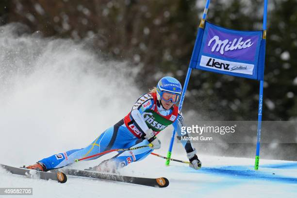 Jessica Lindell-Vikarby of Sweden races down the course whilst competing in the FIS Alpine World Cup giant Slalom race on December 28, 2013 in Lienz,...