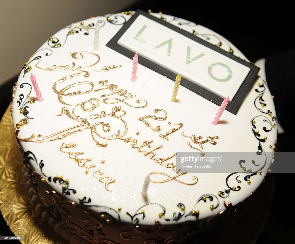 Prime Jessica Lowndess 21St Birthday Cake At Lavo On November 14 2009 Funny Birthday Cards Online Overcheapnameinfo
