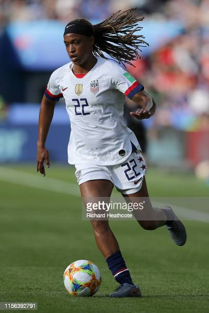 Jessica McDonald of the USA in action during the 2019 FIFA Women's World Cup France group F match between USA and Chile at Parc des Princes on June...