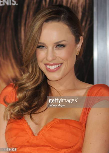 """Jessica McNamee arrives at """"The Vow"""" Los Angeles Premiere at Grauman's Chinese Theatre on February 6, 2012 in Hollywood, California."""