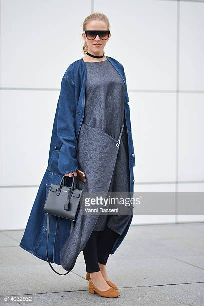 Jessica Mercedes poses before the Balenciaga show during Paris Fashion Week FW 16/17 on March 6 2016 in Paris France