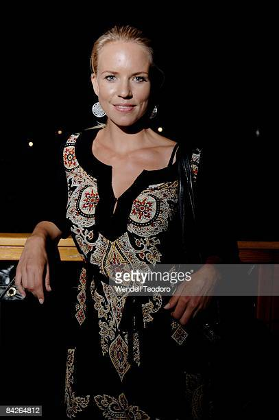 Jessica Napier arrives for the preview screening of `W` at the St George OpenAir Cinema at Mrs Macquaries Point on January 13 2009 in Sydney Australia