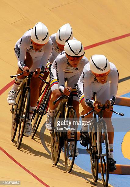 Jessica Parra Lorena Vargas Jannine Salcedo and Maria Luisa Calle of Colombia in the Final of the 3000 meters Team Pursuit Women test as part of the...
