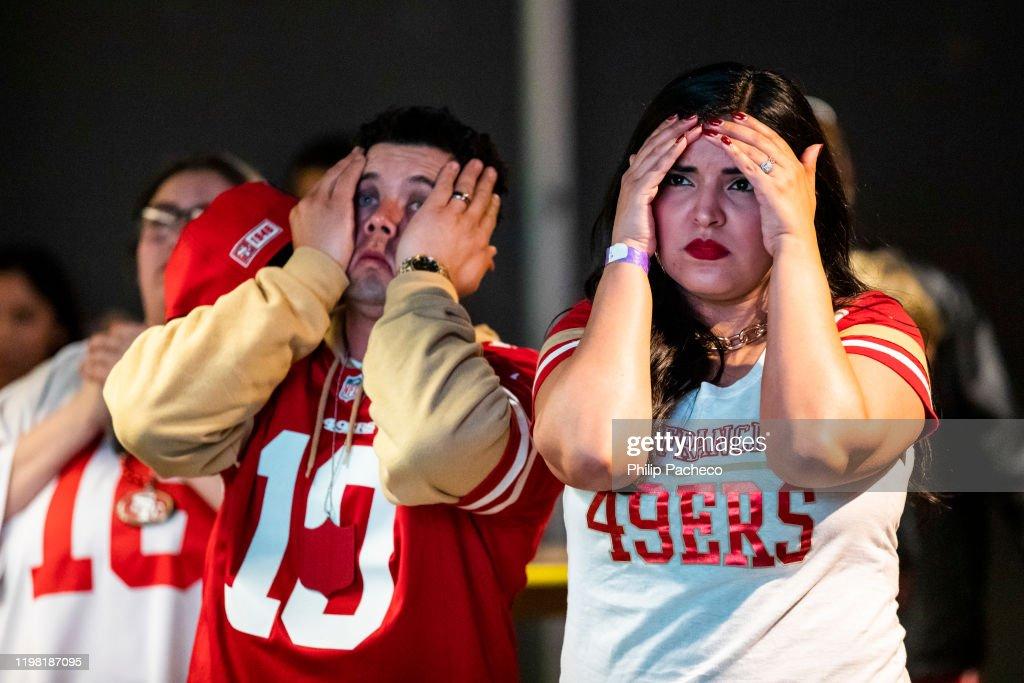 San Francisco 49ers' Fans Watch Their Team's Super Bowl LIV Match Up Against The Kansas City Chiefs : News Photo